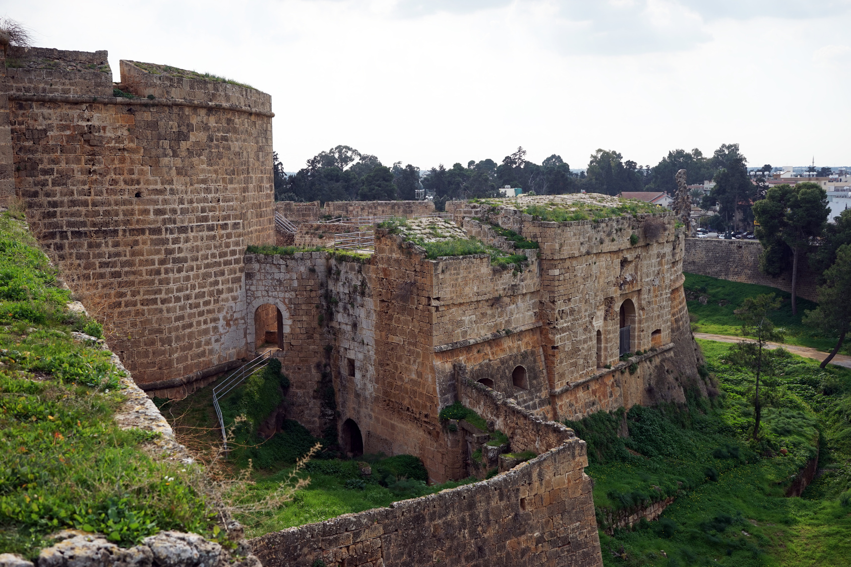 Mury miejskie w Famaguście